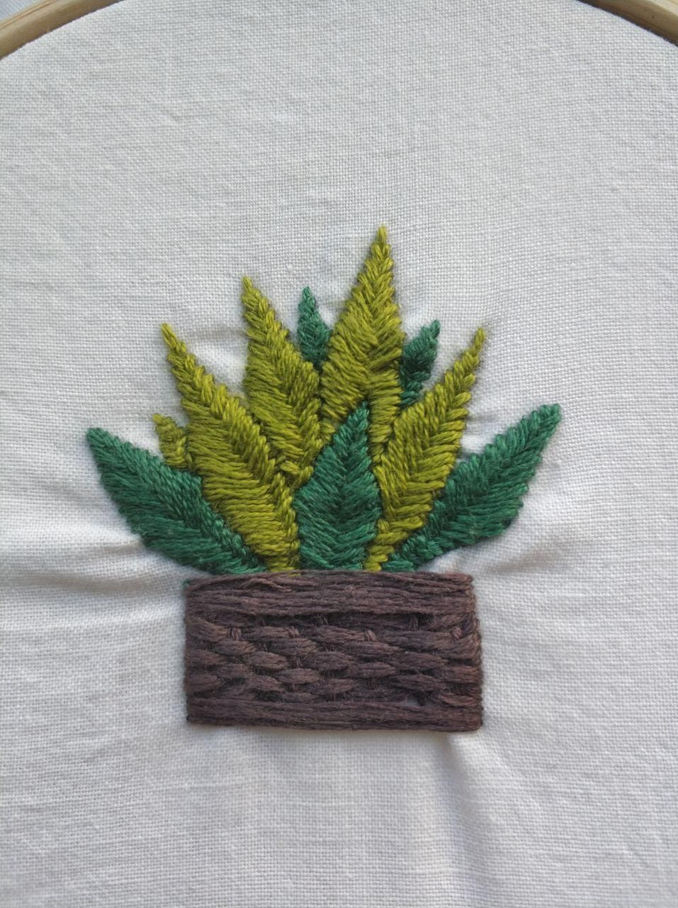 Plant embroidery - image 1 - student project