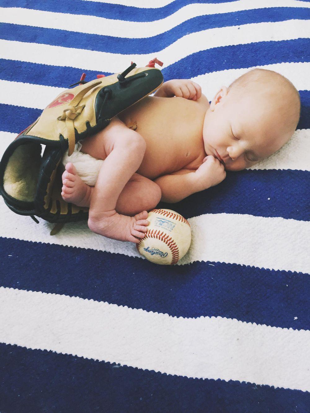 My Nephew's Newborn Photos - image 3 - student project