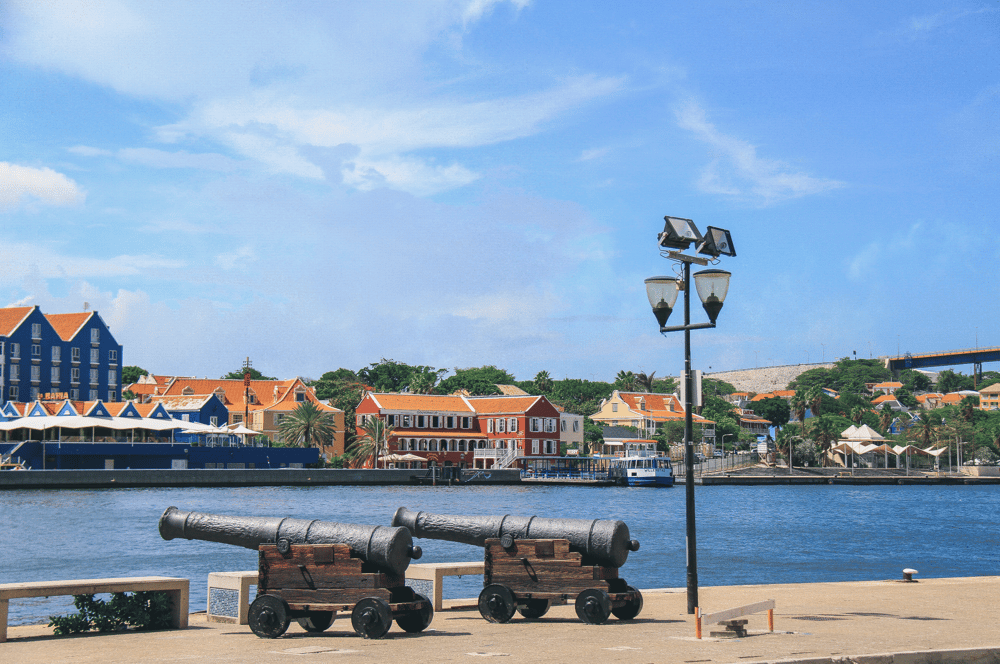 Before and after from my recent trip to curaçao. - image 2 - student project
