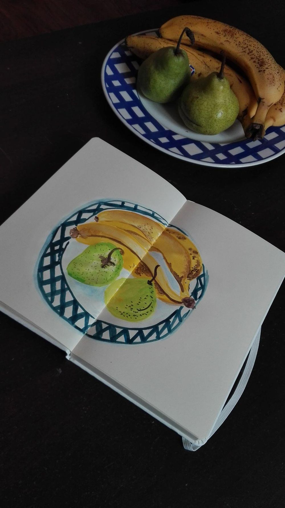 Gouache still life - image 1 - student project