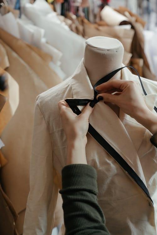 Profile Inspiration for a Fashion Freelance Designer - image 3 - student project