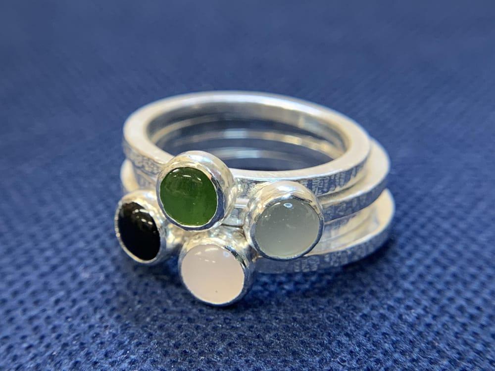 Bezel-set rings - image 1 - student project