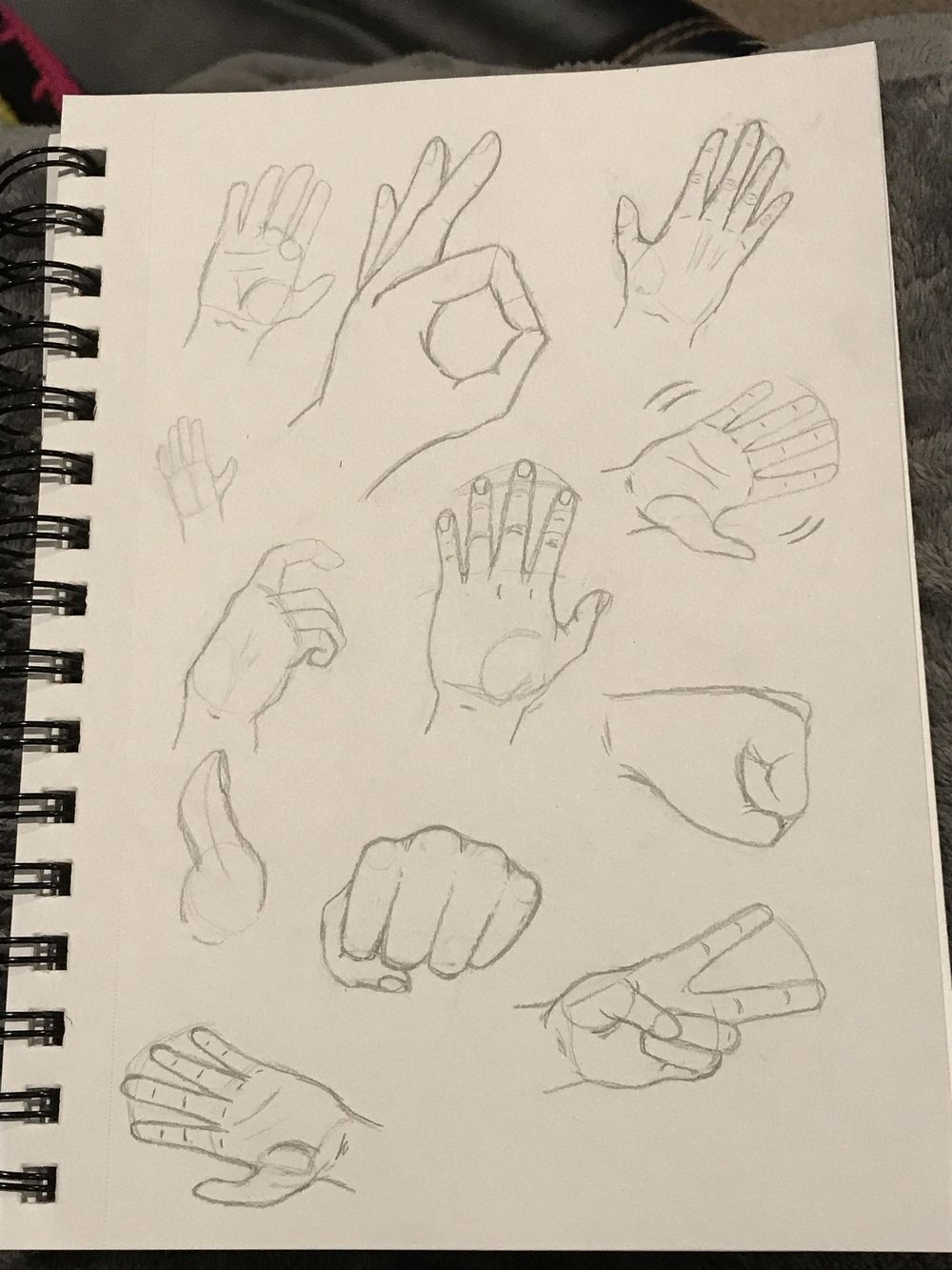 Hands P1 - image 1 - student project