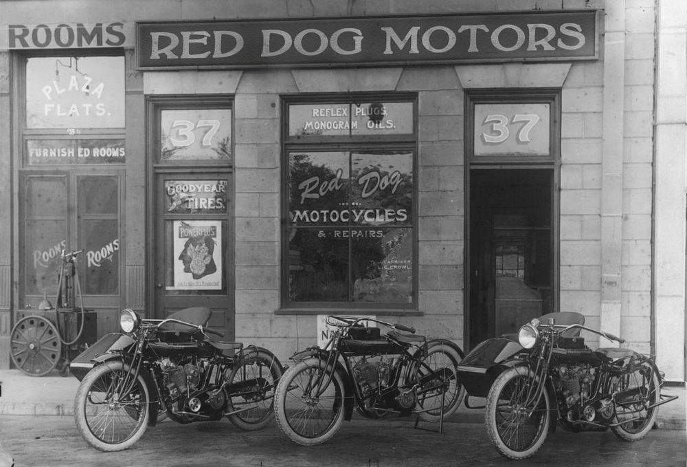 1920's Motorcycle Shop - image 3 - student project