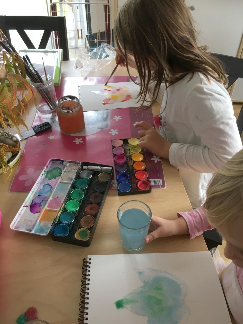 Painting Autumn Leaves as Kid's Activity - image 2 - student project