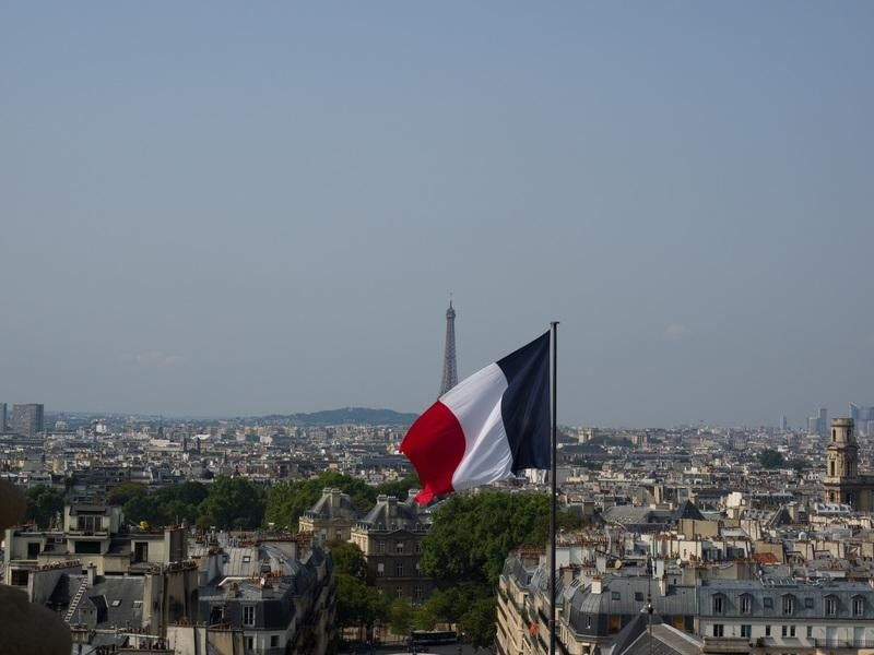 Weekend in Paris - image 2 - student project