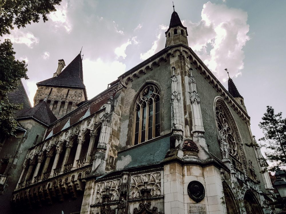 Summer in Budapest - image 1 - student project