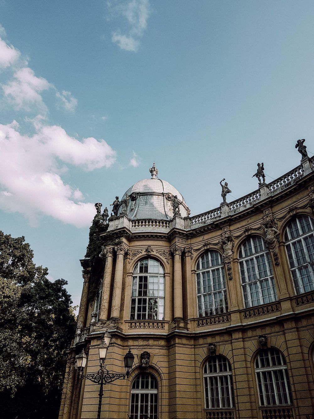 Summer in Budapest - image 3 - student project