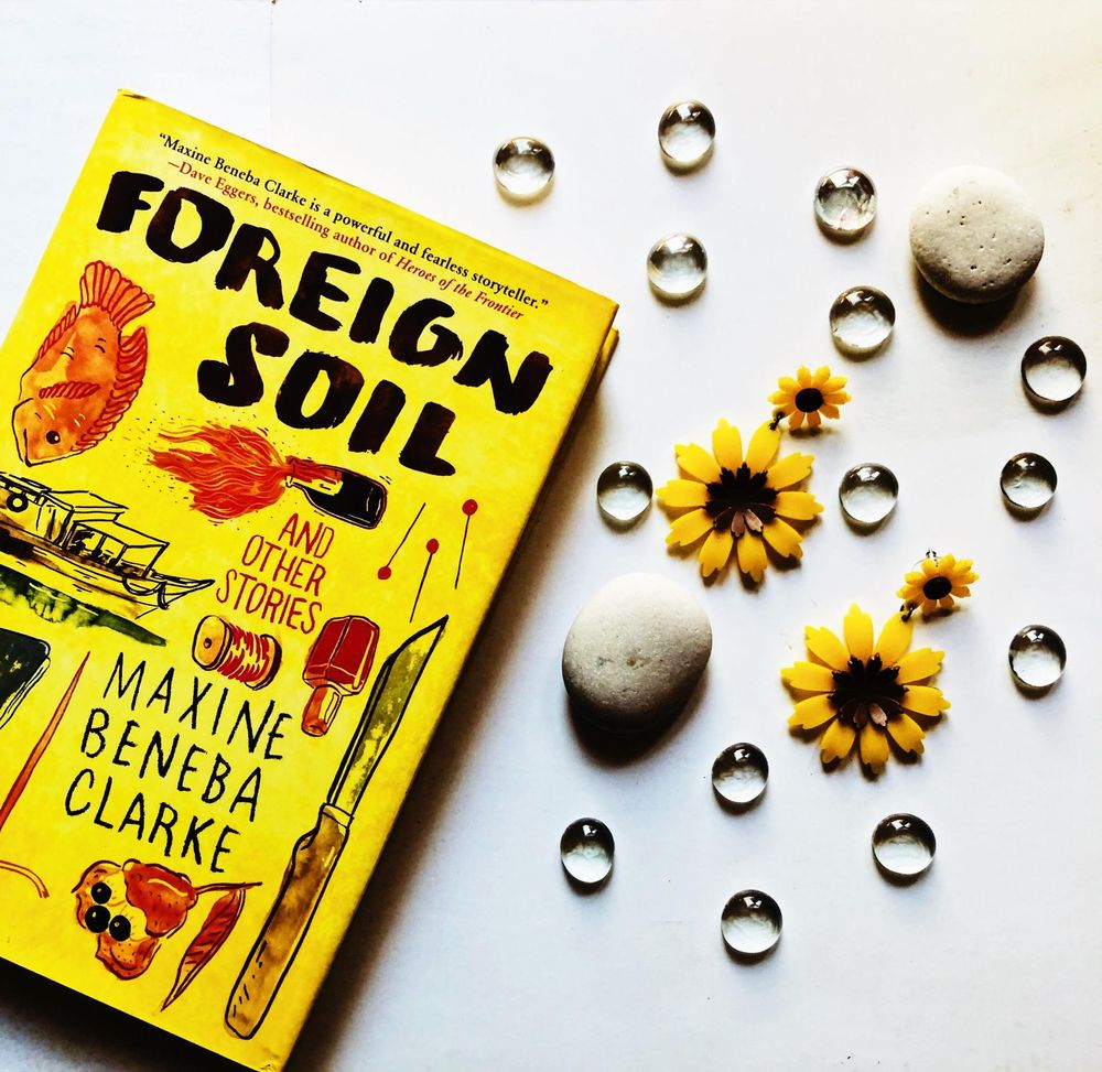 #Books&Earrings - image 1 - student project