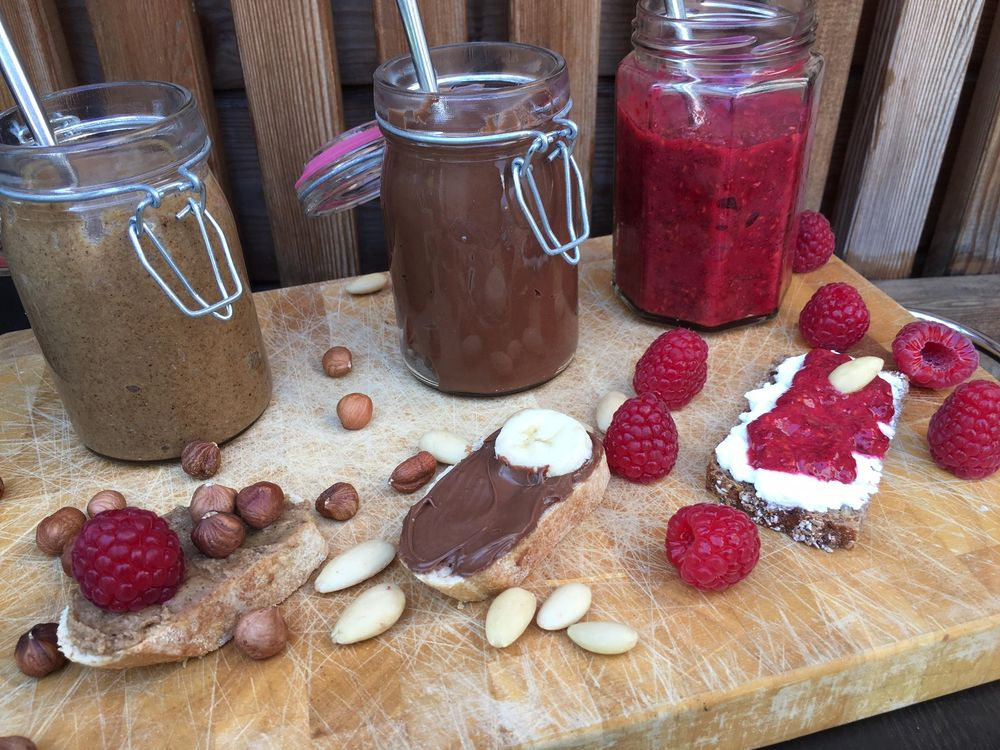Three healthy homemade alternatives to nutella and jam - photo session - image 2 - student project