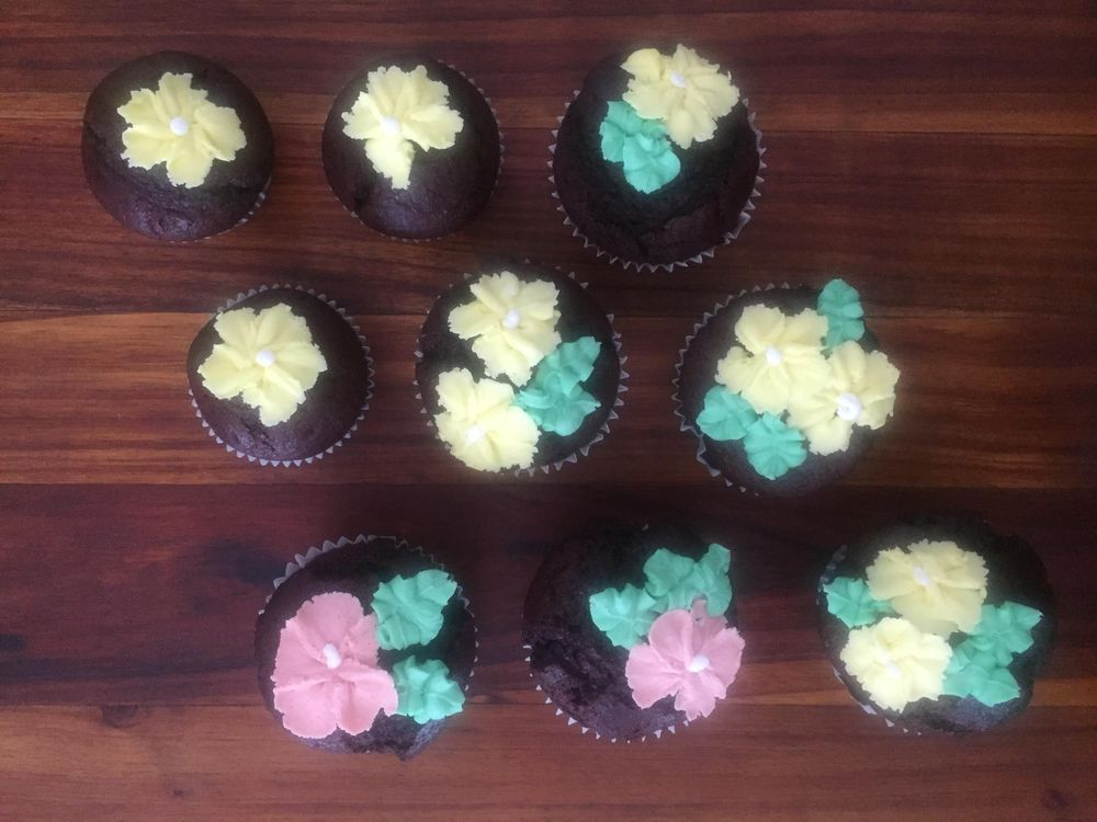 Butter Cream Flowers - image 1 - student project