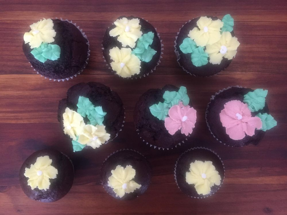 Butter Cream Flowers - image 2 - student project