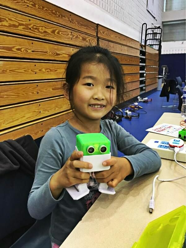 """Otto DIY """"build your own robot"""" - image 1 - student project"""