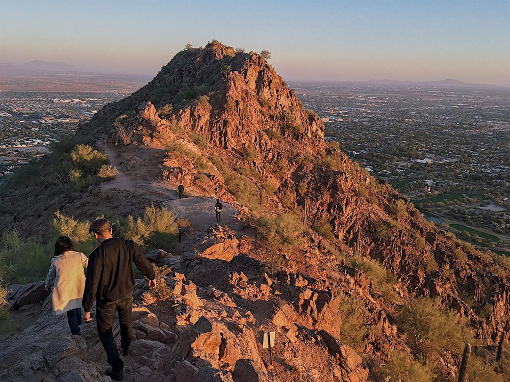 Sunset mid-Camelback hike - image 1 - student project