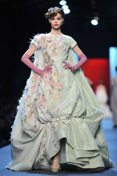 In Couture - image 19 - student project
