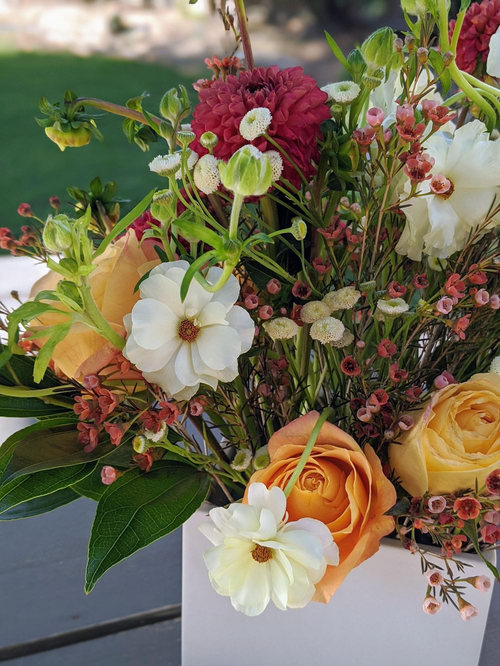 Artful Florals: Advanced Techniques for Centerpiece Design - image 2 - student project
