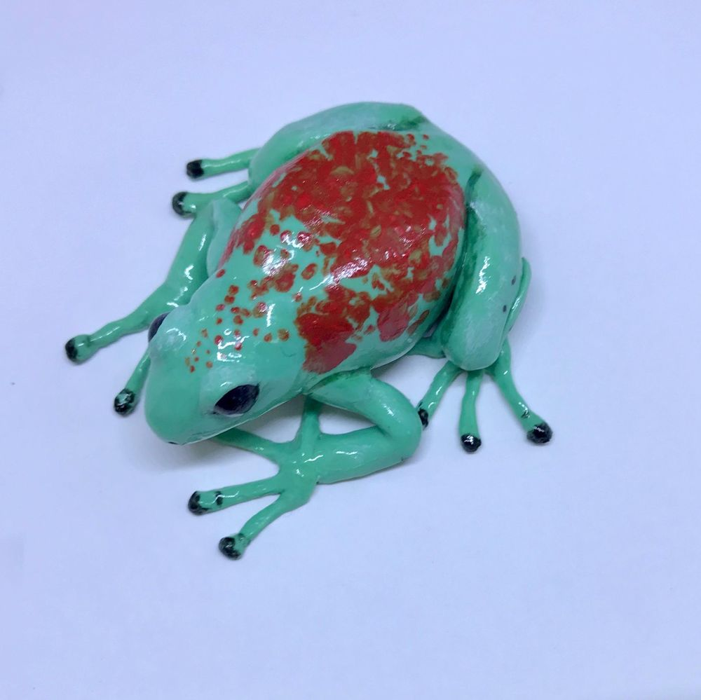 Miniature Frog Sculpture - image 3 - student project