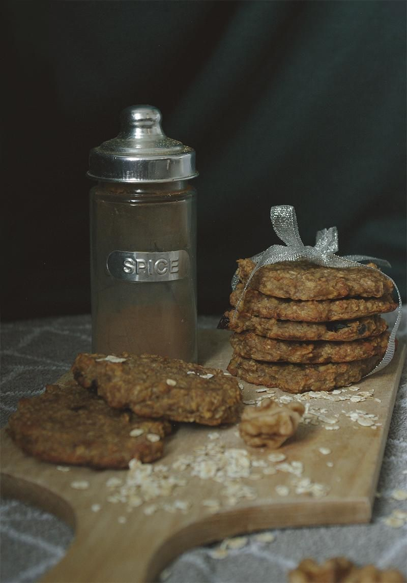 Oat flakes cookies and persimmon - image 2 - student project