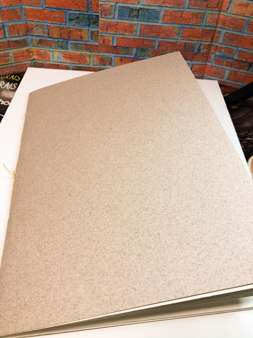 Sketchbook binding - image 1 - student project