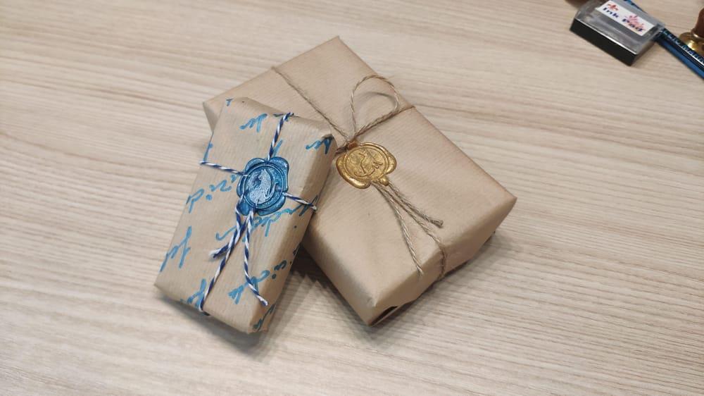 Envoltorios de regalo creativos minimalistas - image 1 - student project