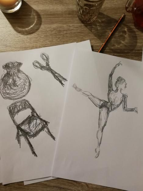 Drawing passionate gestures with artist Jennifer Moorhead - image 3 - student project