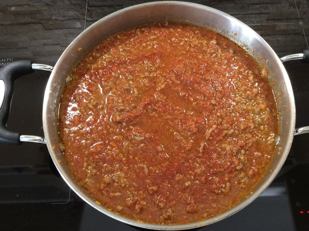 Pasta alla Bolognese: fresh flavours and a simple recipe for authentic Italian taste - image 13 - student project
