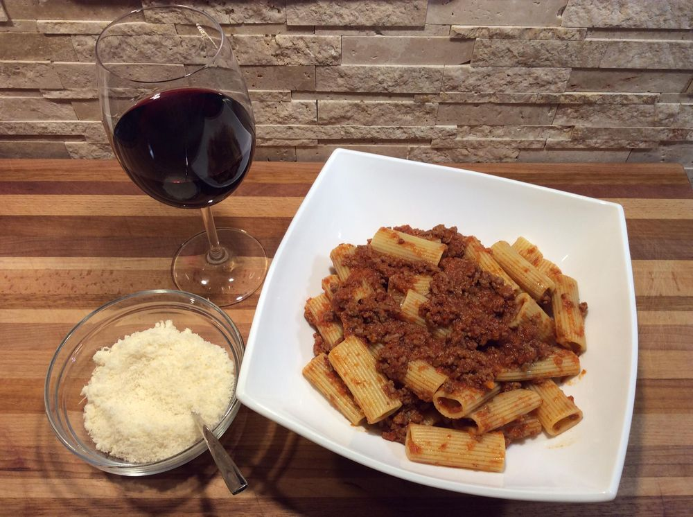 Pasta alla Bolognese: fresh flavours and a simple recipe for authentic Italian taste - image 16 - student project