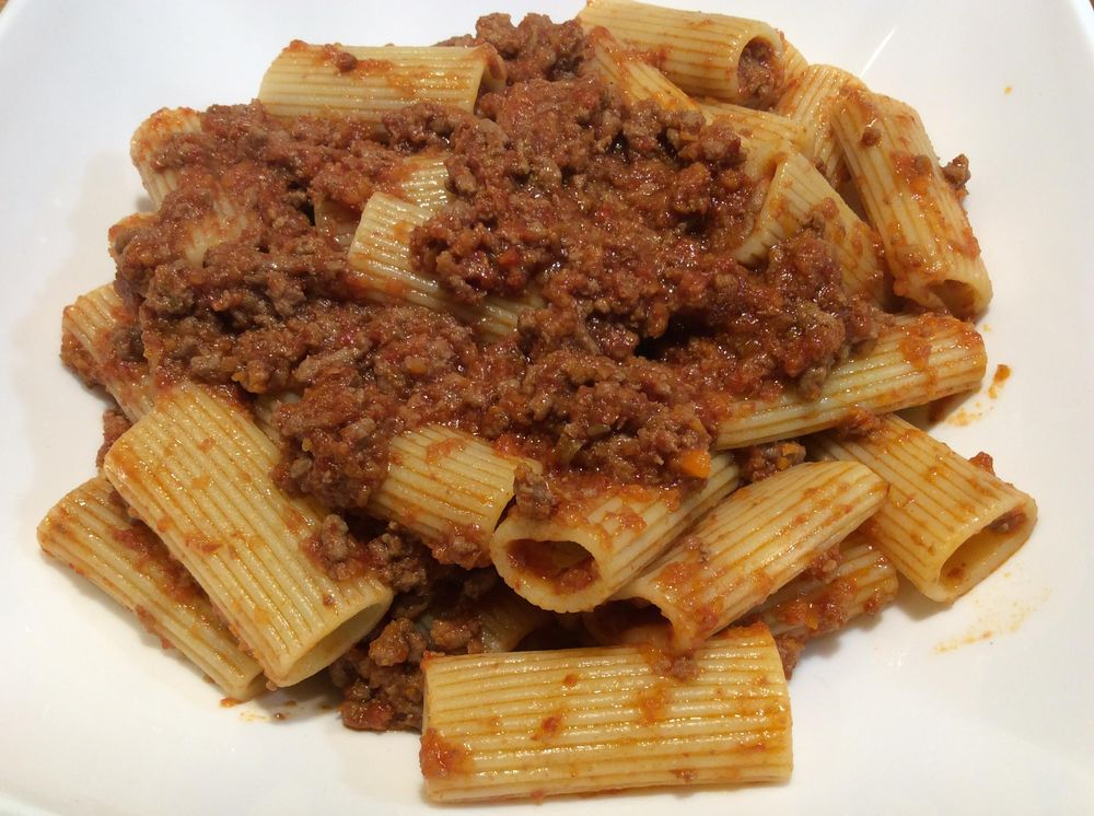 Pasta alla Bolognese: fresh flavours and a simple recipe for authentic Italian taste - image 15 - student project