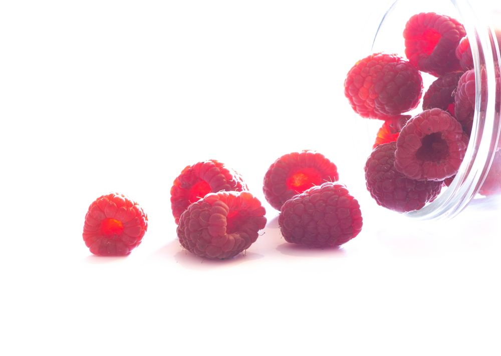 Raspberries and a Glass Bowl - image 2 - student project