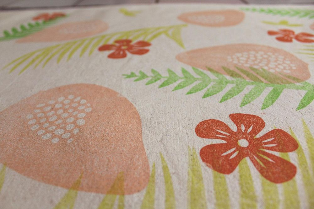 Happy colors - paw paw cushion covers - image 9 - student project