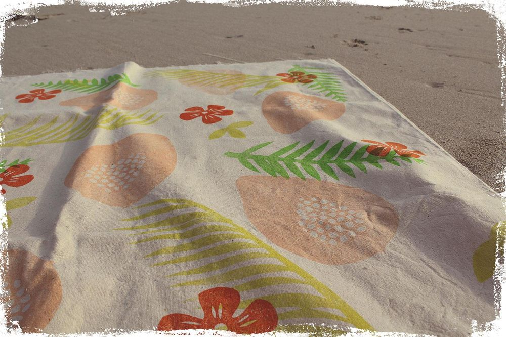 Happy colors - paw paw cushion covers - image 10 - student project