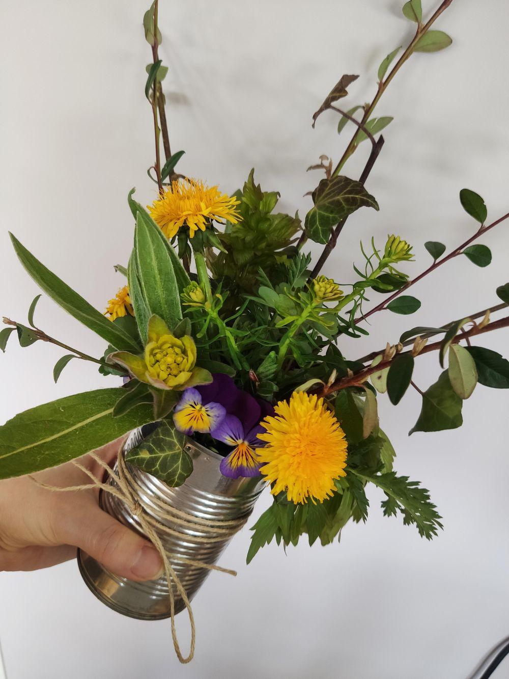 Spring arrangement - image 3 - student project