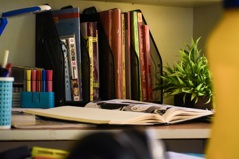 Study table - image 4 - student project