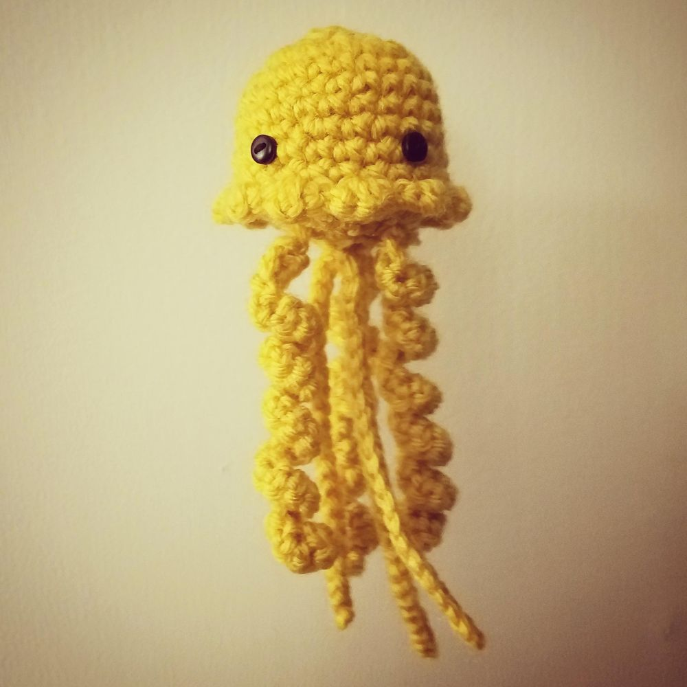 Crocheted Jellyfish! - image 1 - student project
