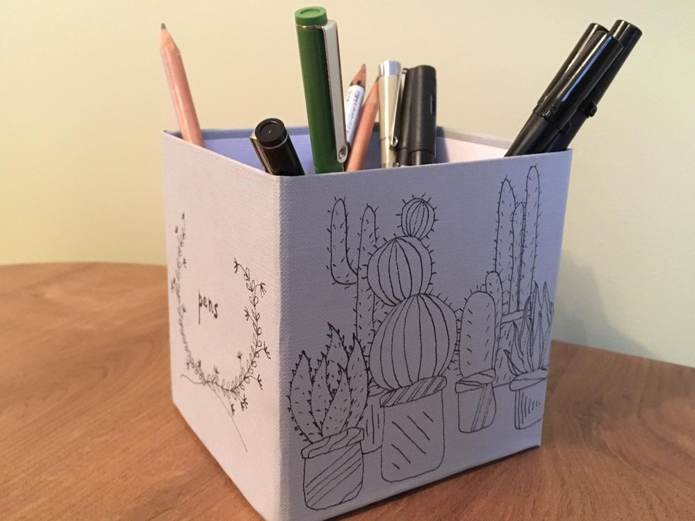 Botanical box for pens - image 1 - student project