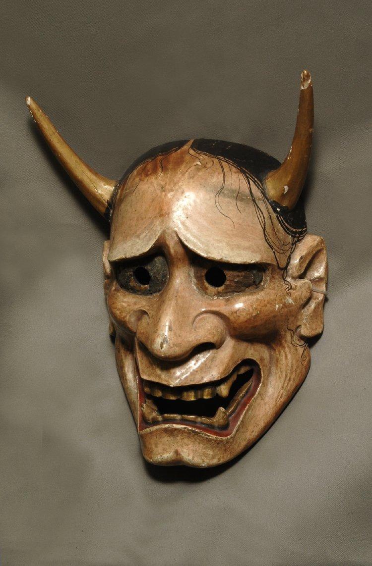 Henya mask - image 2 - student project