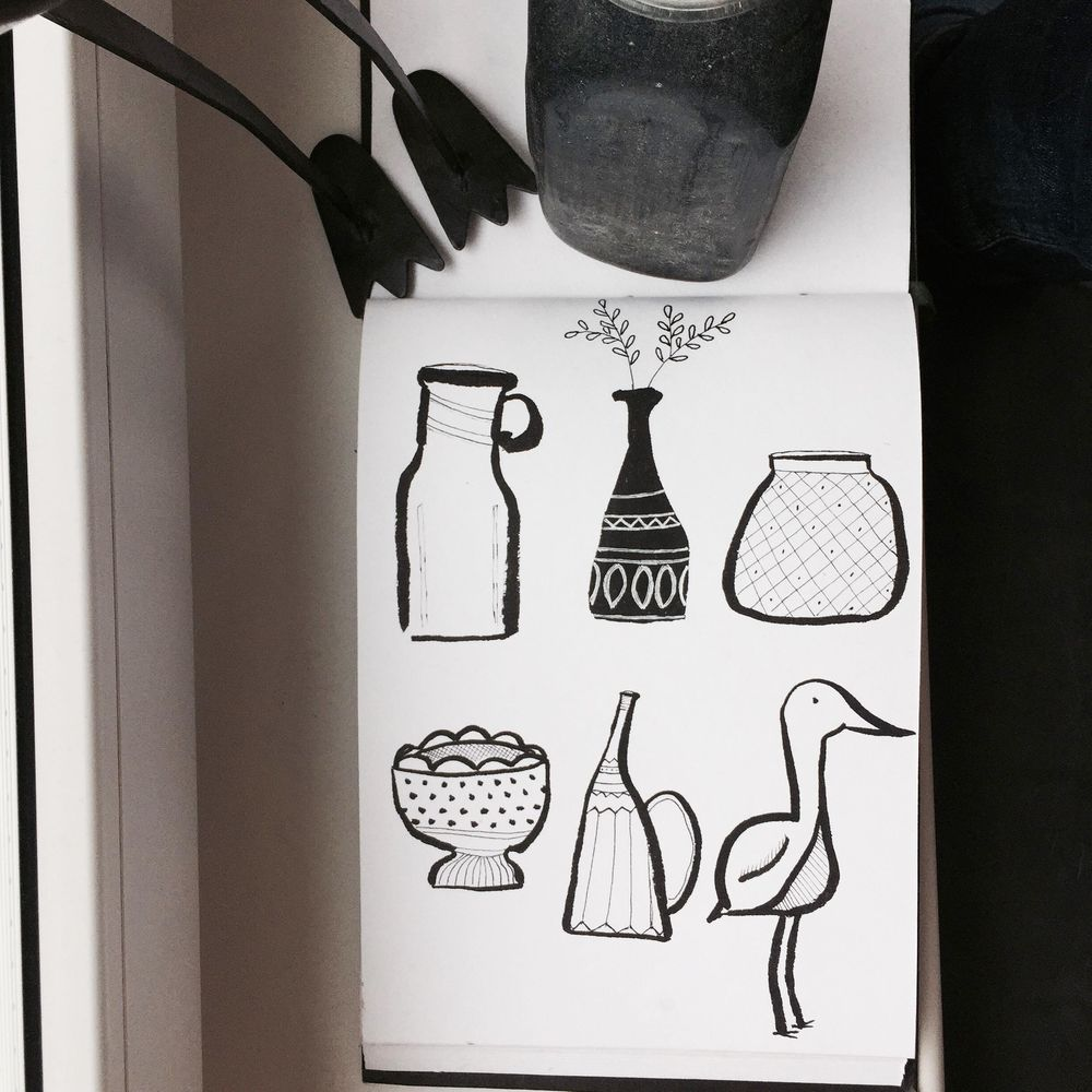 vases and heron monochrome - image 1 - student project