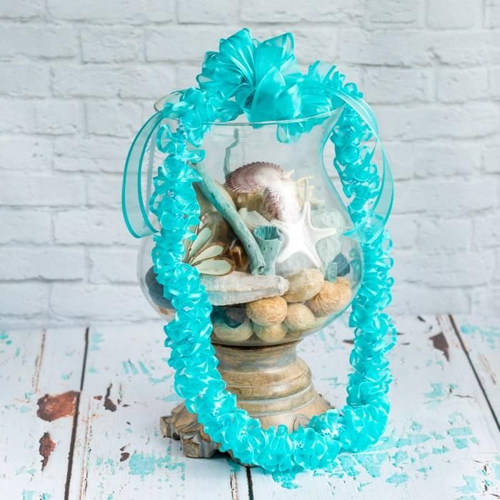 Turquoise and White Spiral Ribbon Lei - image 3 - student project