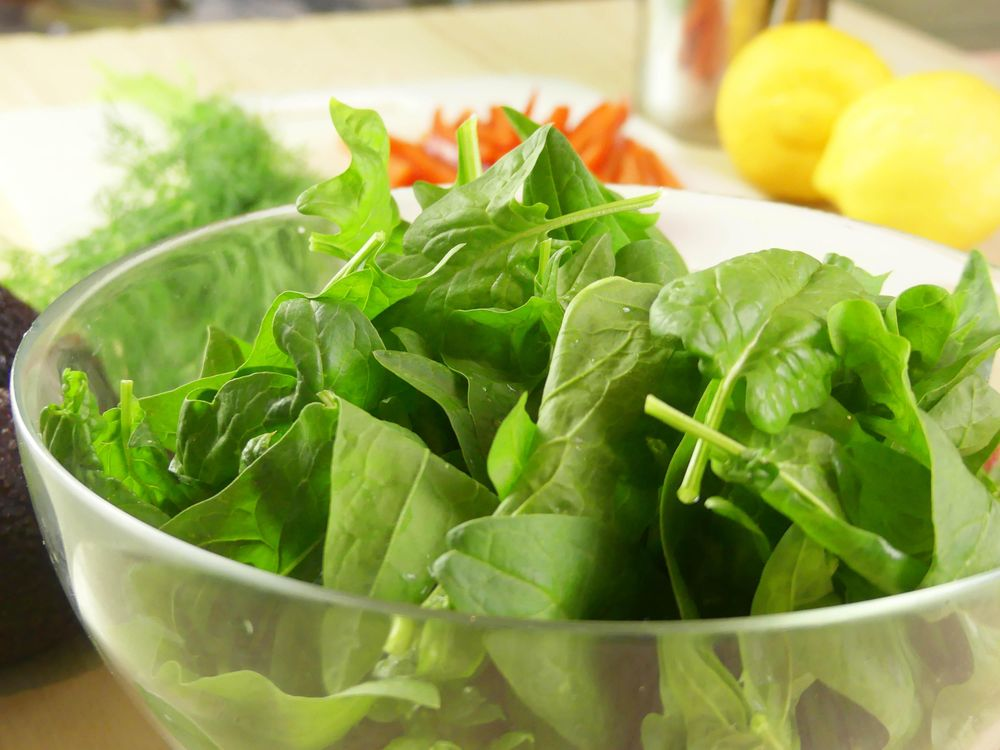 Strawberry and Avocado Salad with Baby Spinach and Dill - image 2 - student project