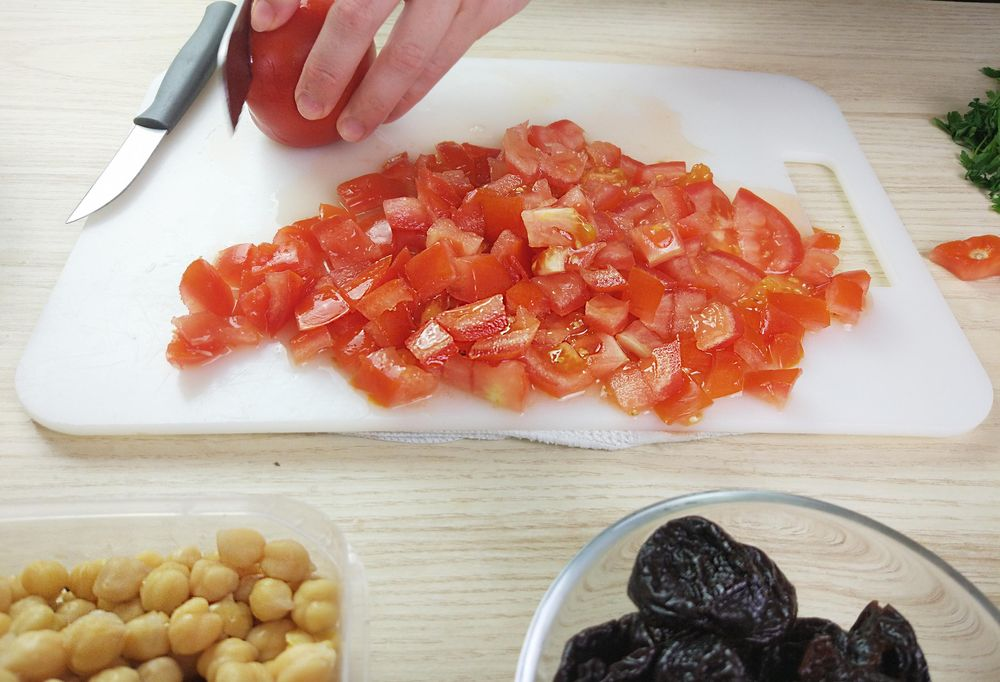 Chickpea Chicken Roast with Prunes, Tomatoes and Thyme - image 2 - student project