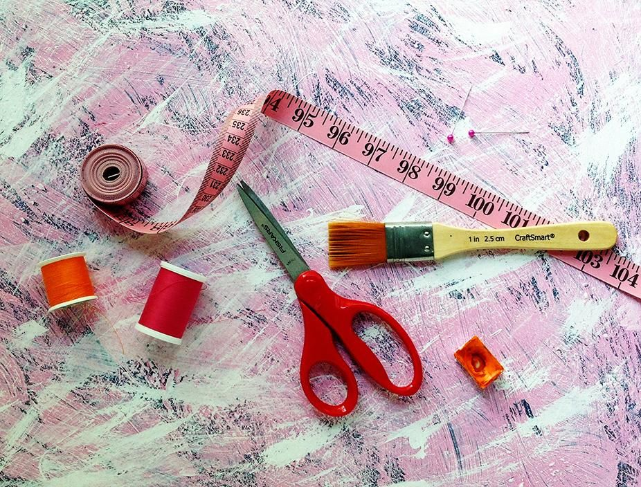 DIY Photo Backdrop for watercolor paintings - image 2 - student project