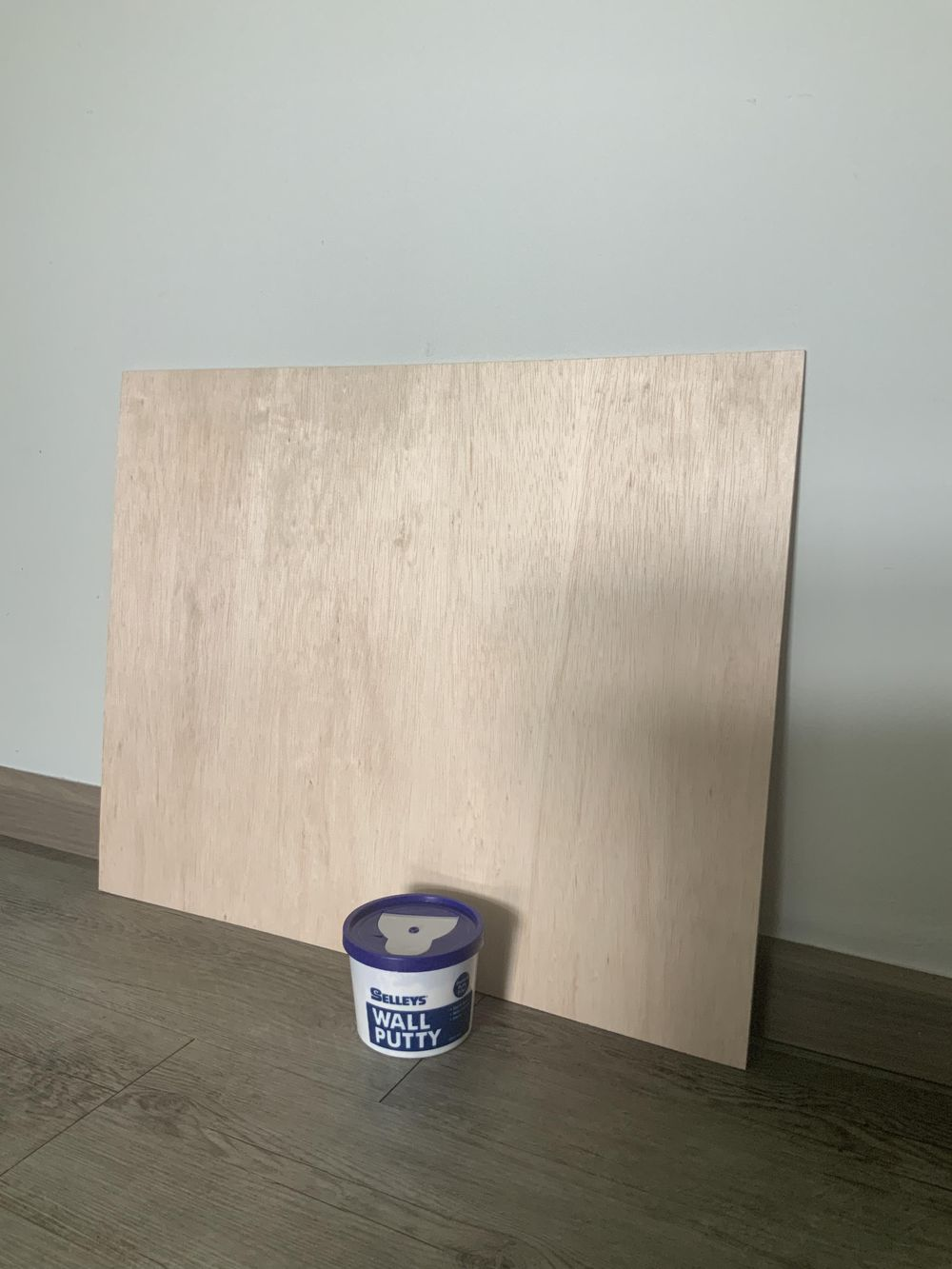 Acrylic putty board - image 1 - student project