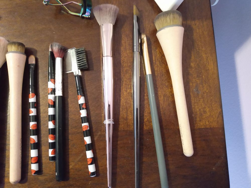 Makeup Brushes Cleaned (Before and After) - image 2 - student project