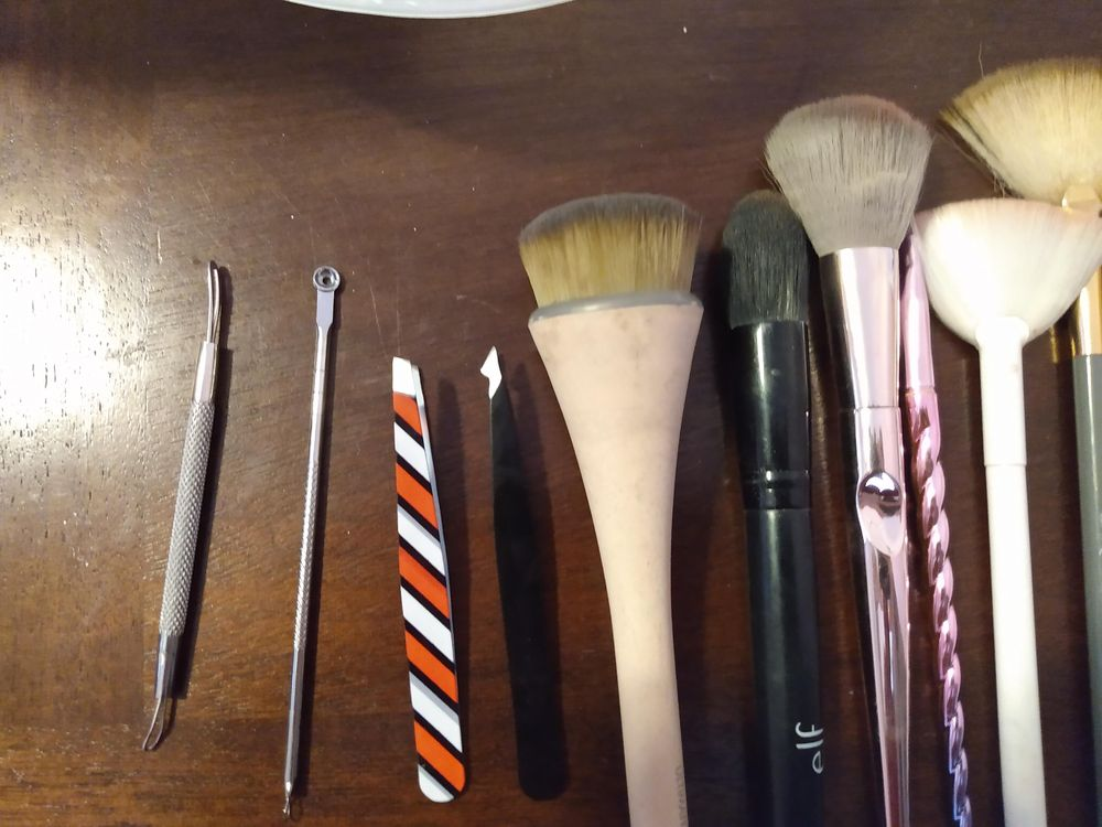 Makeup Brushes Cleaned (Before and After) - image 1 - student project