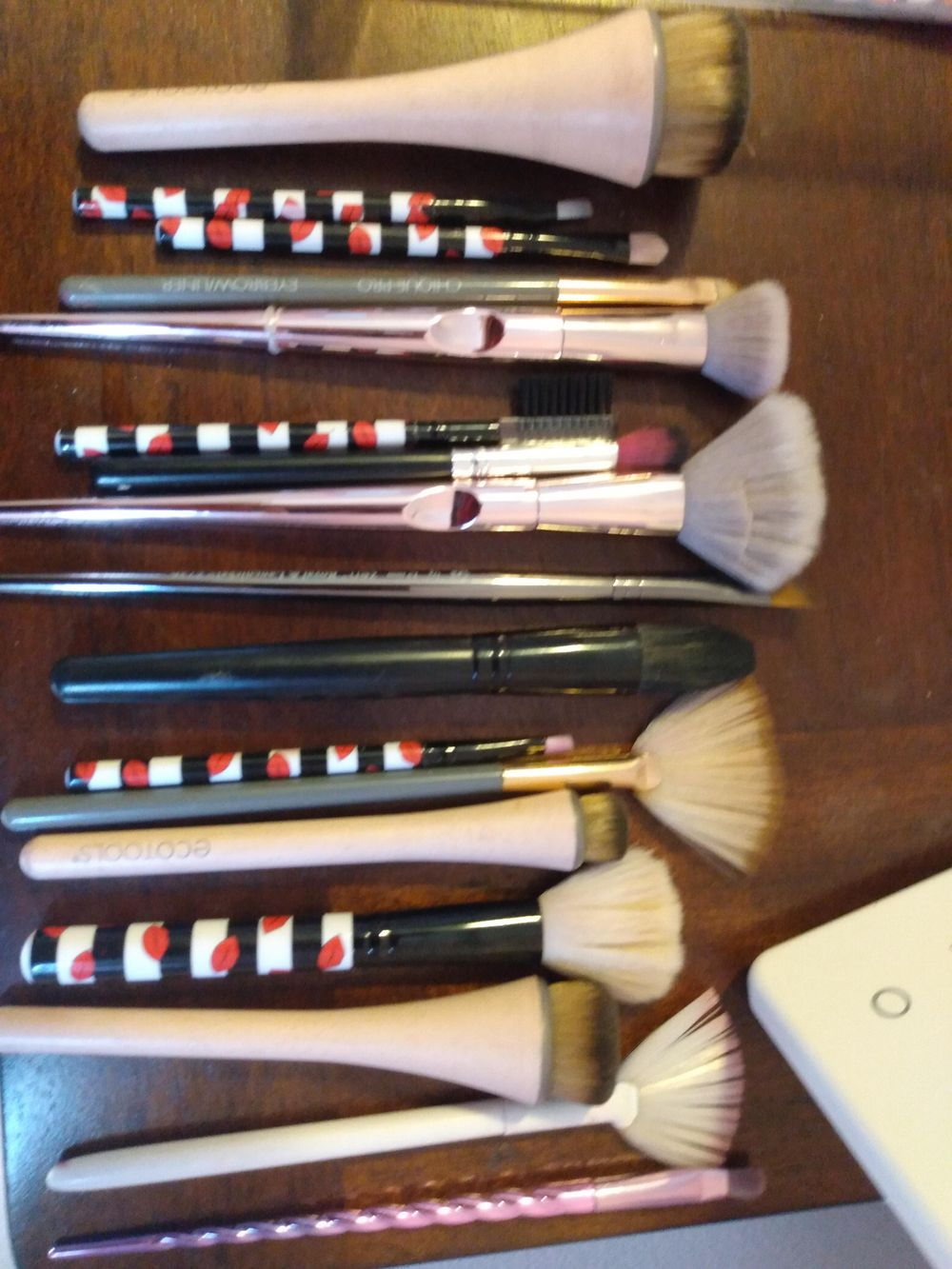 Makeup Brushes Cleaned (Before and After) - image 5 - student project