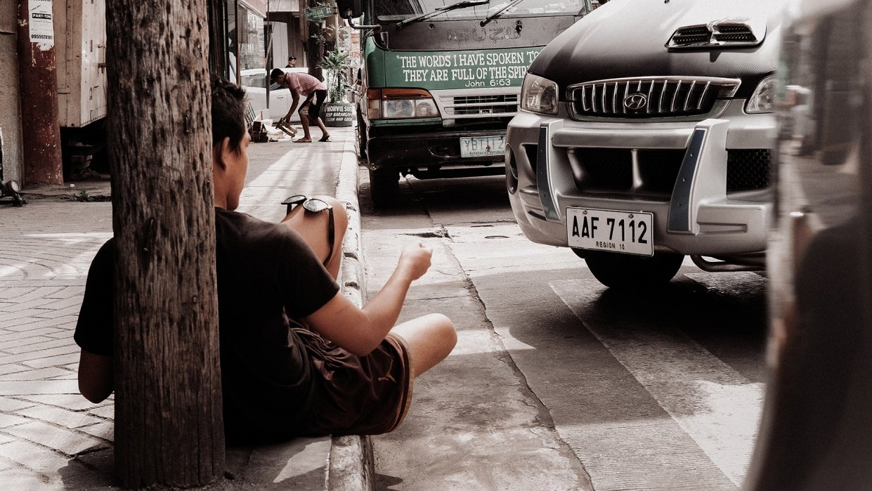 Non-descriptive Photographs   Philippine Streets - student project