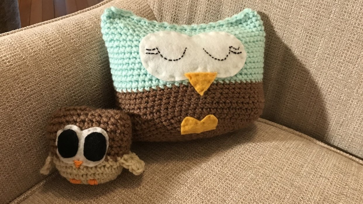 Mama owl and baby owl - student project