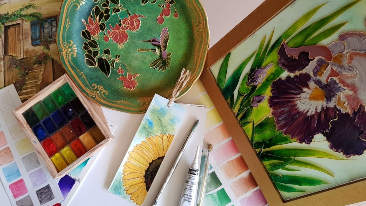 Create your own bookmarks with watercolor and mixed media - student project