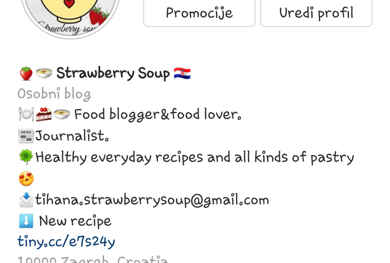 Strawberry soup Instagram bio - student project