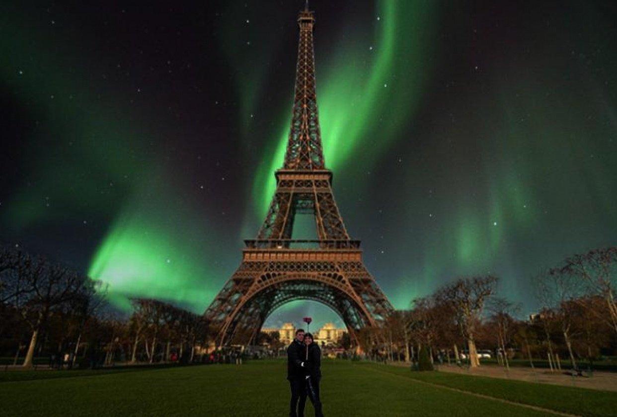 Aurora in paris - student project